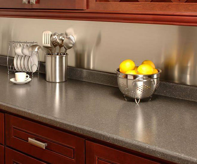 Ламинированная столешница в интерьере кухни