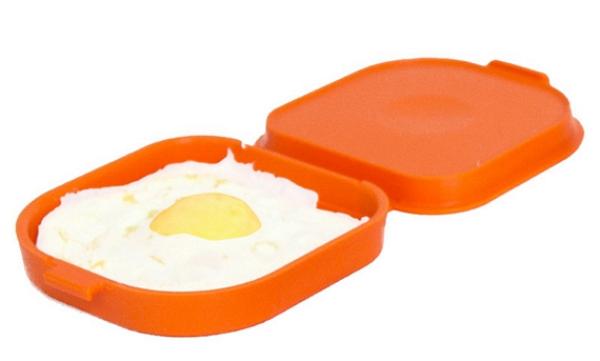 Кухонный гаджет: силиконовая форма для приготовления  яичницы в микроволновке