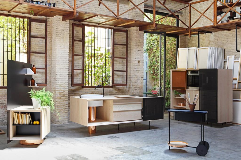 Кухонный гарнитур в интерьере просторной кухни