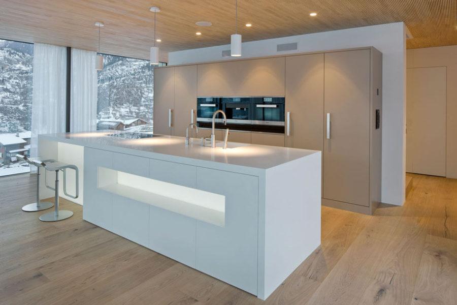 Кухонные гарнитуры в интерьере: остров в стиле минимализма