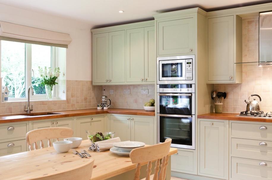 Кухня в светлом цвете