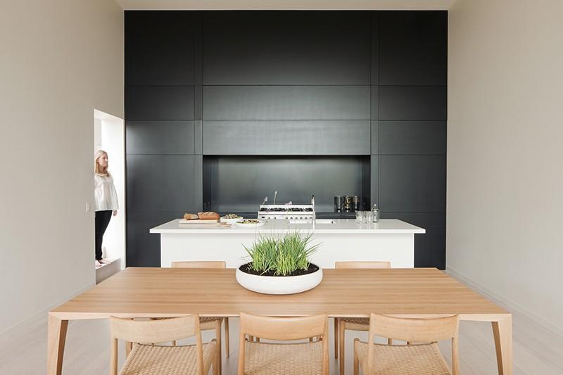 Кухонные современные шкафы - чёрно-белый вариант. Фото 3