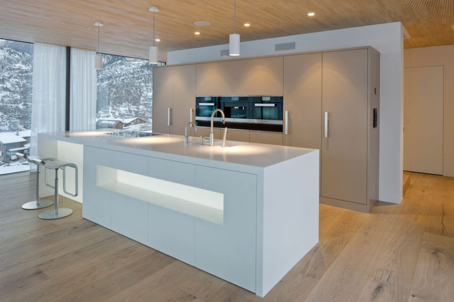 Кухонные современные шкафы - необычный гарнитур. Фото 2