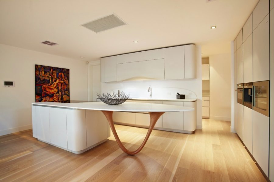 Кухонные современные шкафы - белые тона