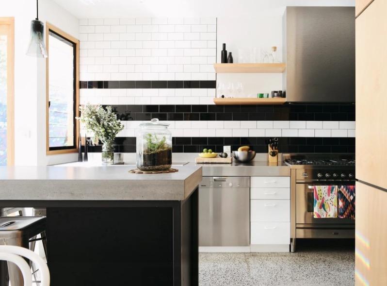 Оформление кухонных столешниц. Фото 16