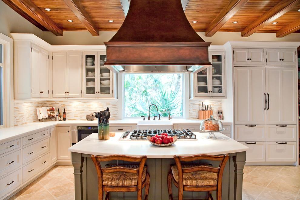 Оригинальный дизайн кухонной вытяжки в интерьере кухни - Фото 19
