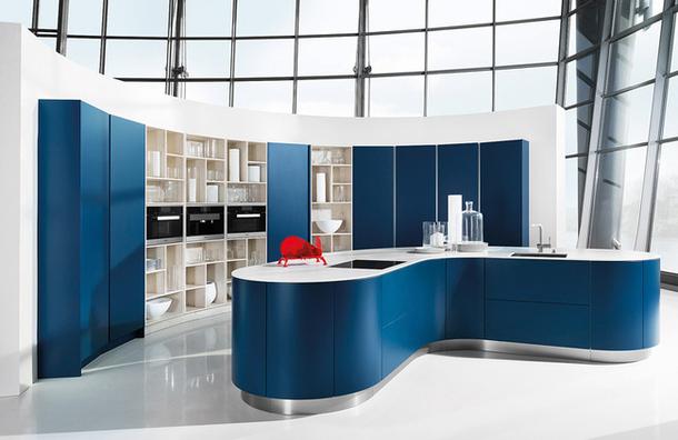 Оригинальный дугообразный дизайн кухни Systemat