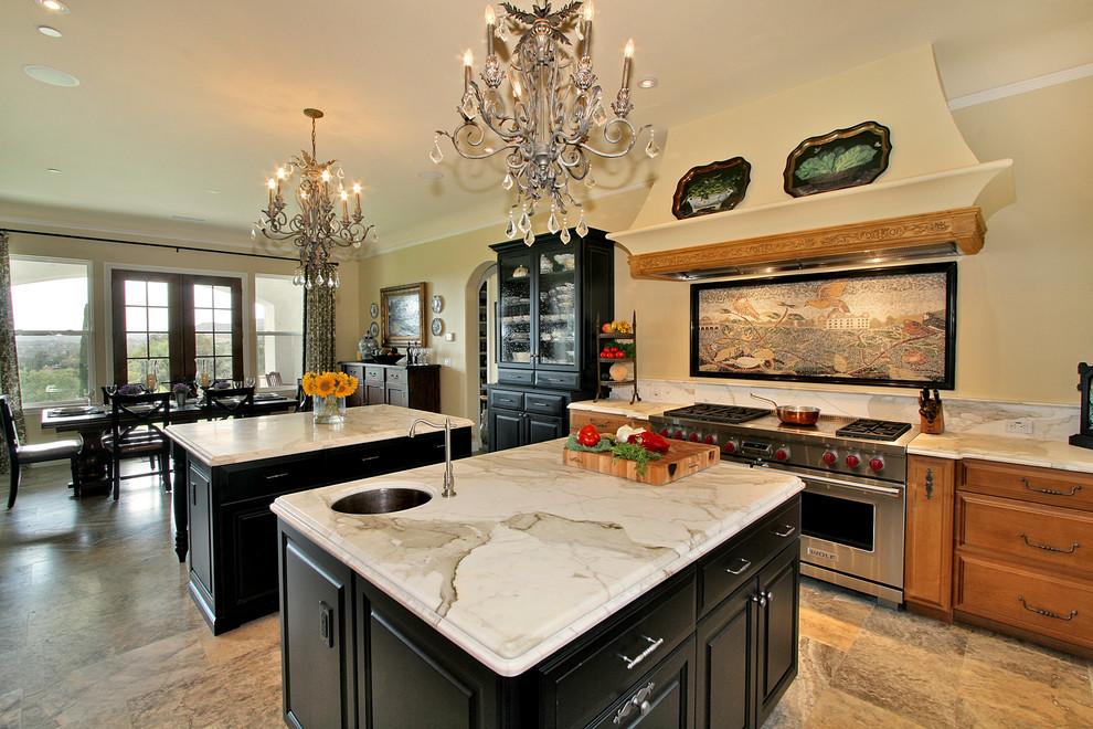 Потрясающие винтажные люстры в интерьере кухни