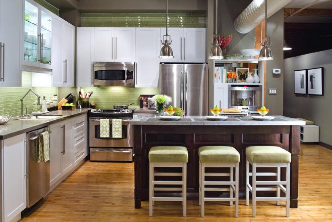 Дизайн кухонной зоны с барной стойкой в стиле лофт