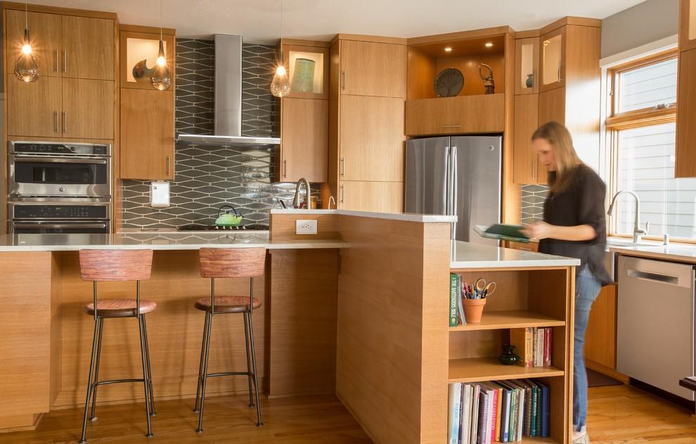 Стильные идеи дизайна интерьера кухни - необычная планировка
