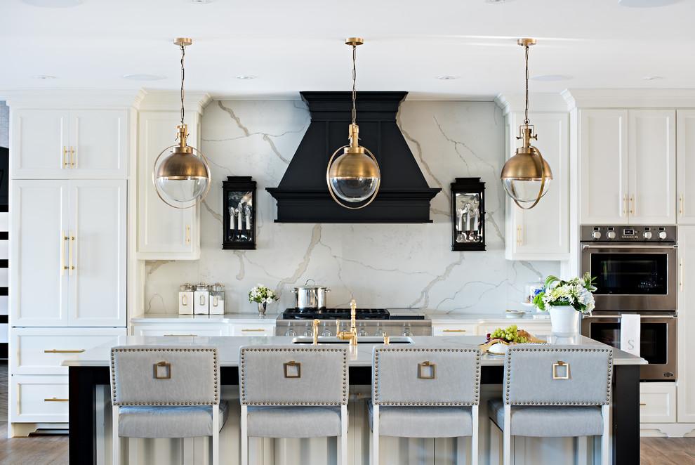 Стильные идеи дизайна интерьера кухни - кварцевая столешница и фартук в дизайне кухни