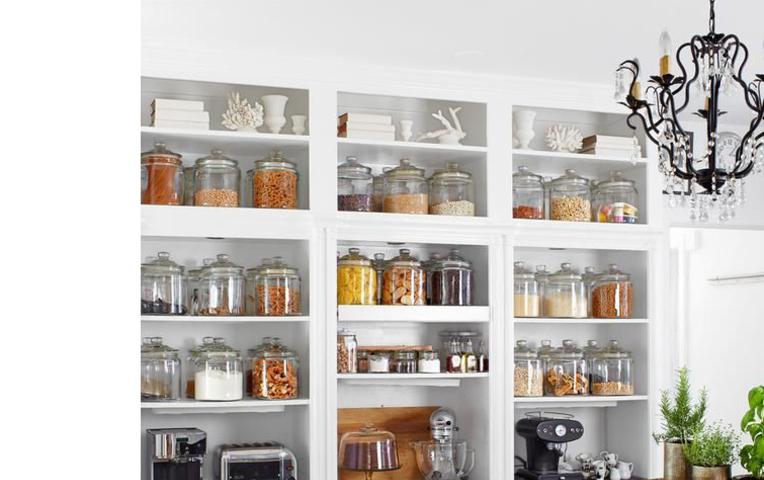 Идеи хранения на кухне - полочки для специй