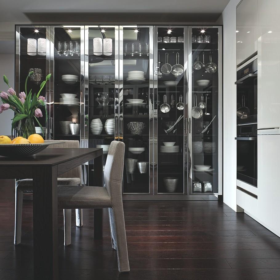 Оригинальный дизайн буфета для хранения посуды и аксессуаров кухни BeauxArts от SieMatic