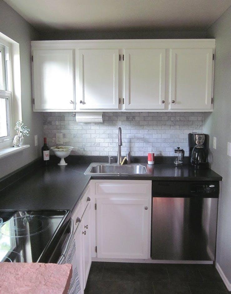 Интерьер маленькой кухни в классическом стиле