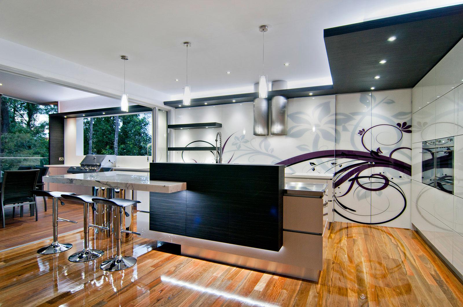 Футуристичный дизайн белой кухни Bushland Retreat в стиле роскошного минимализма