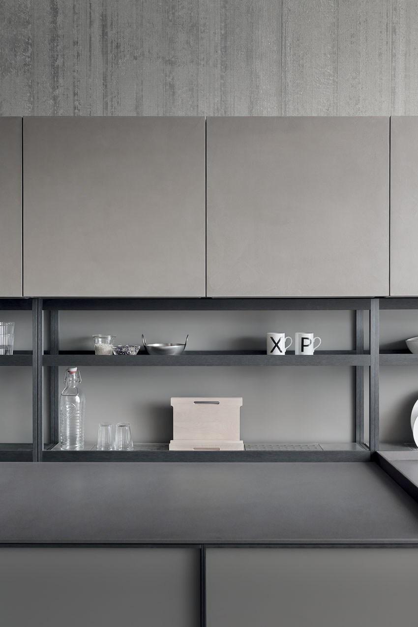Мебель для кухни в минималистском стиле от дизайнера Стефано Каваццана - два этажа полок