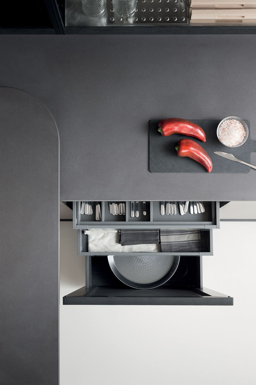 Мебель для кухни в минималистском стиле от дизайнера Стефано Каваццана - столешница сверху