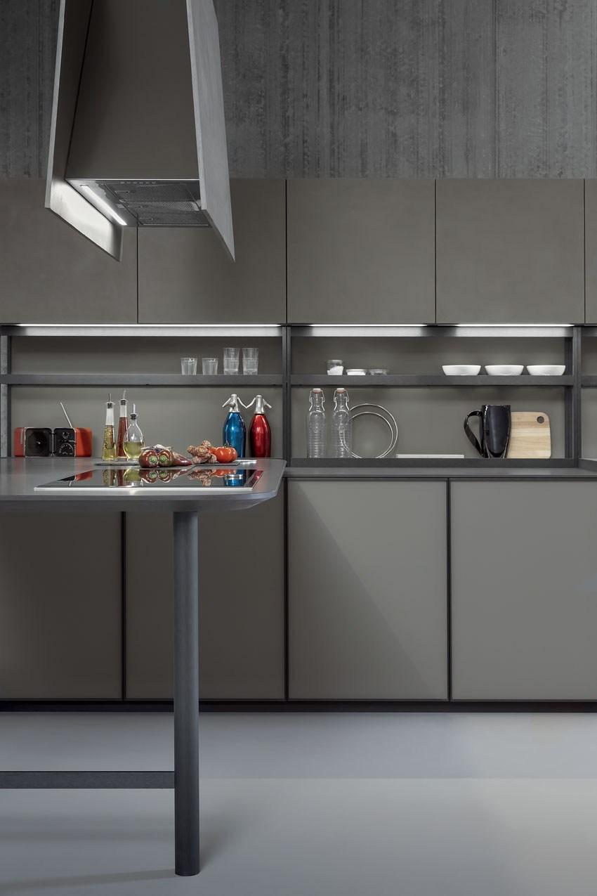 Мебель для кухни в минималистском стиле от дизайнера Стефано Каваццана - металлические полки