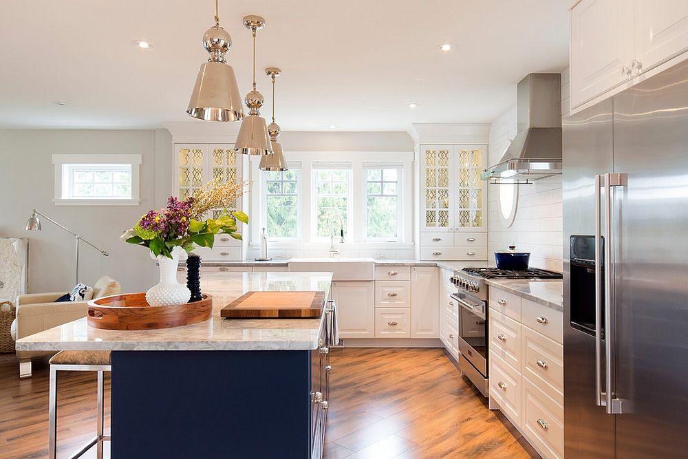 Металлические аксессуары для кухни: серебристые светильники