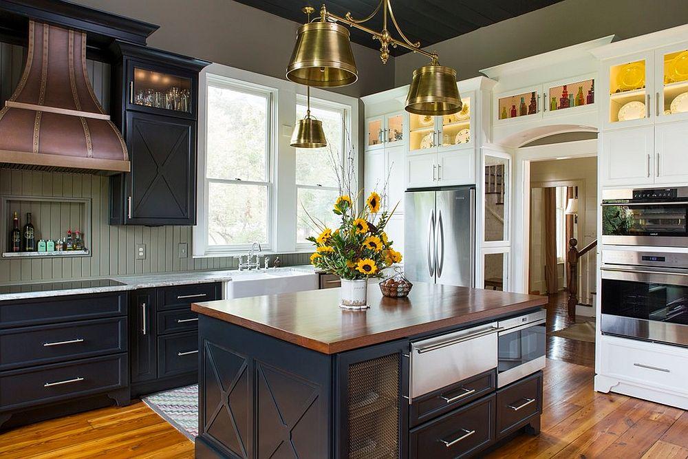 Металлические аксессуары для кухни: старинный светильник