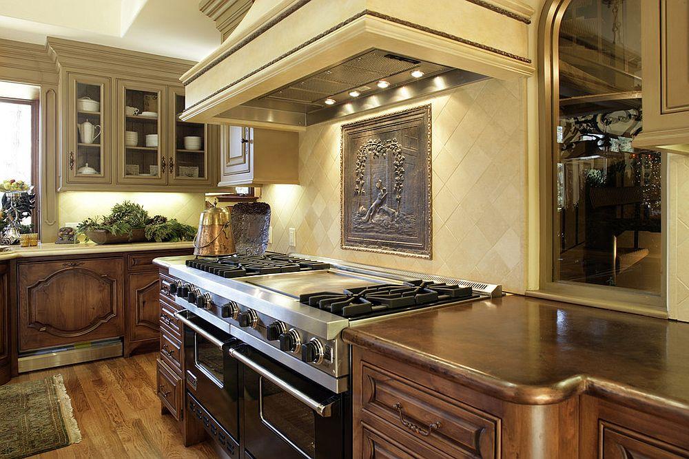 Металлические аксессуары для кухни: необычная картина над плитой