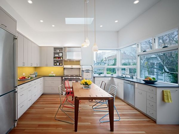 Желтый фартук на кухне фото
