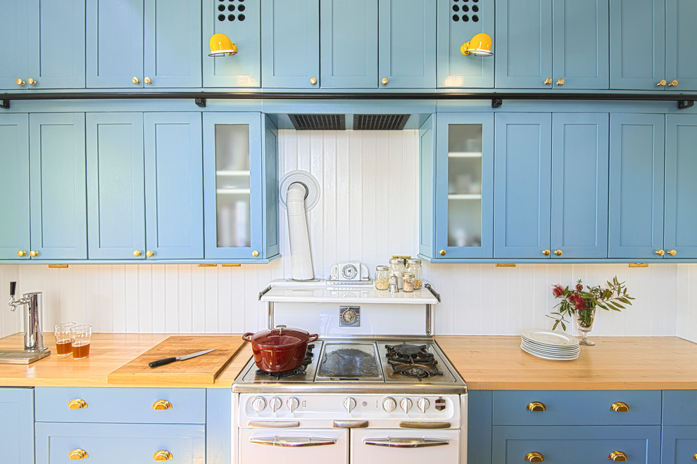 Викторианский интерьер кухни с элементами модерна от Chad DeWitt