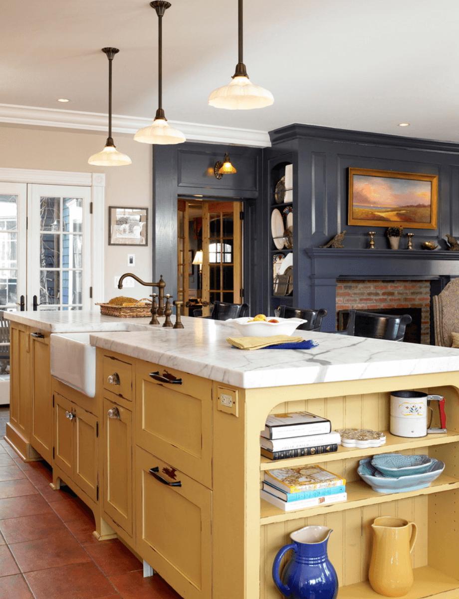 Дизайн кухни с сочетанием различных цветов. Фото 2