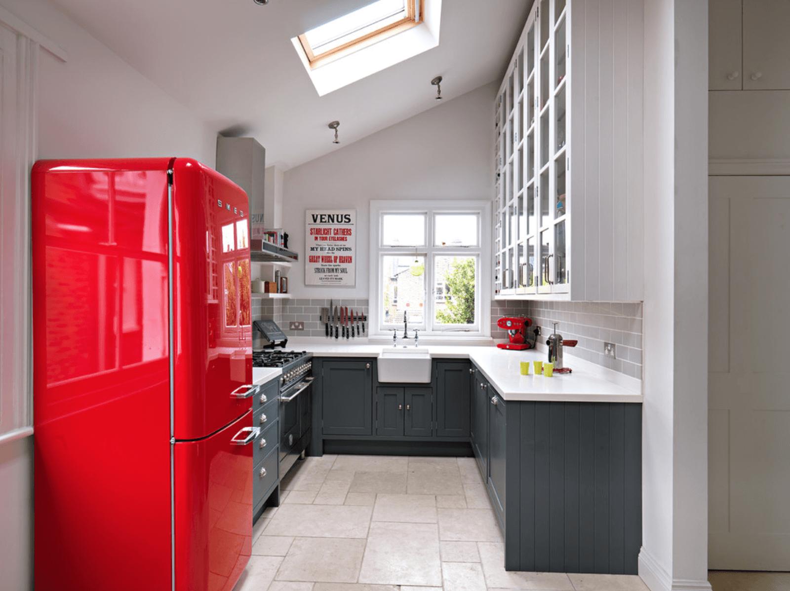 Дизайн кухни в оттенках серого цвета. Фото 1