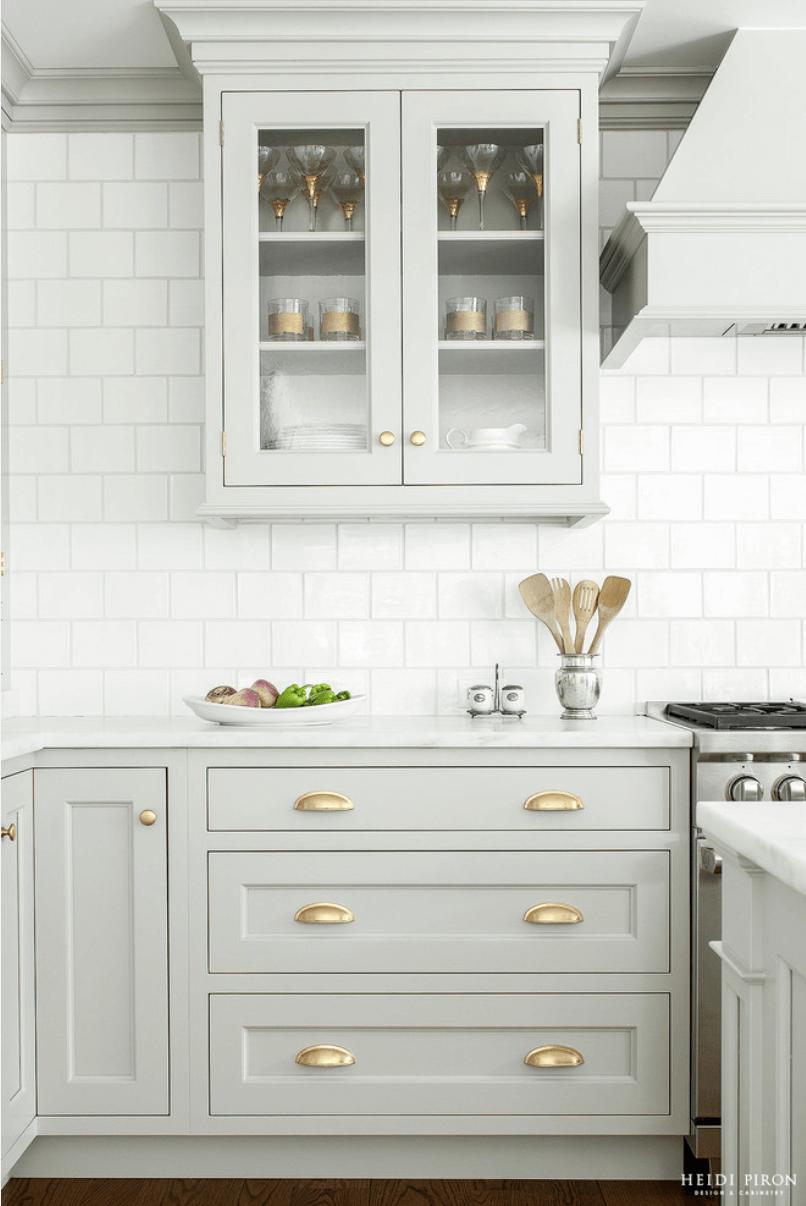 Дизайн кухни в оттенках серого цвета. Фото 6