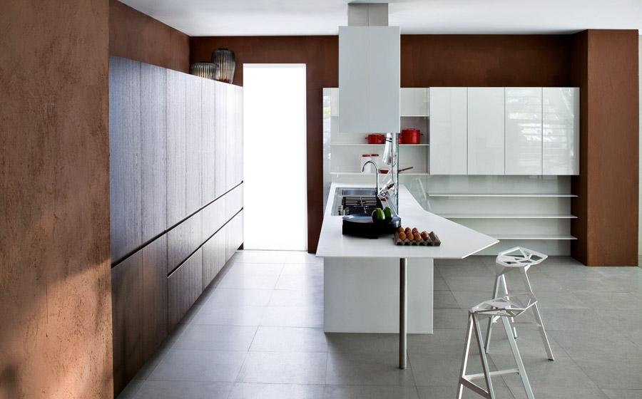 Современная модульная кухня от Elmar в белой гамме