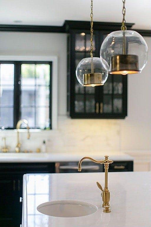 Мрамор в интерьере кухни. Фото 2