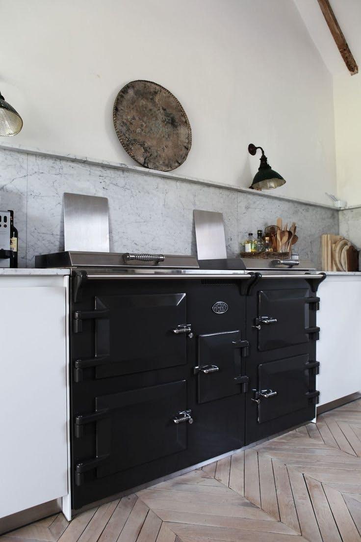 Мрамор в интерьере кухни. Фото 3