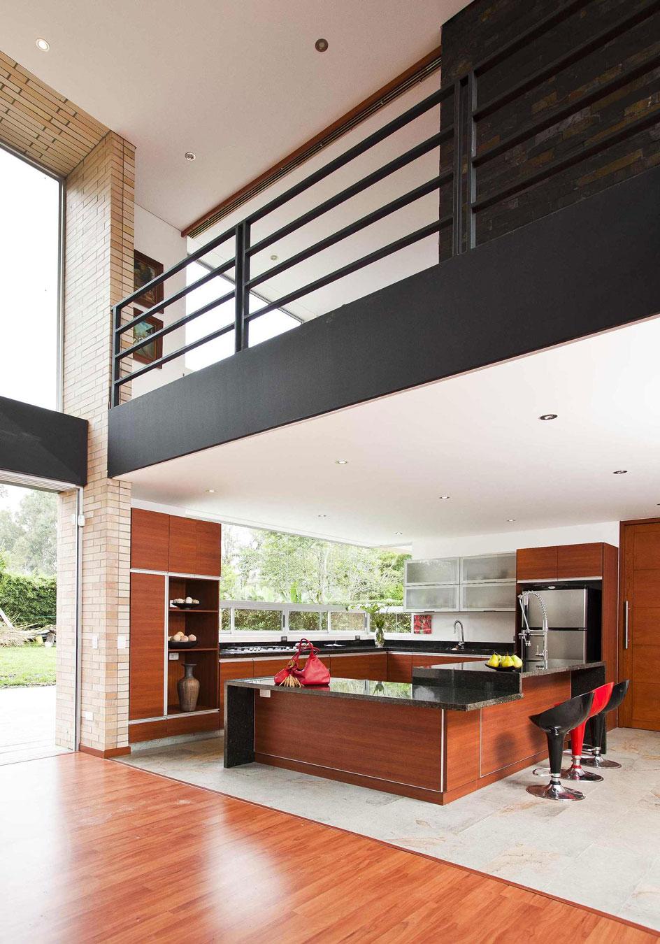 Мраморные столешницы для интерьера кухни - Фото 21