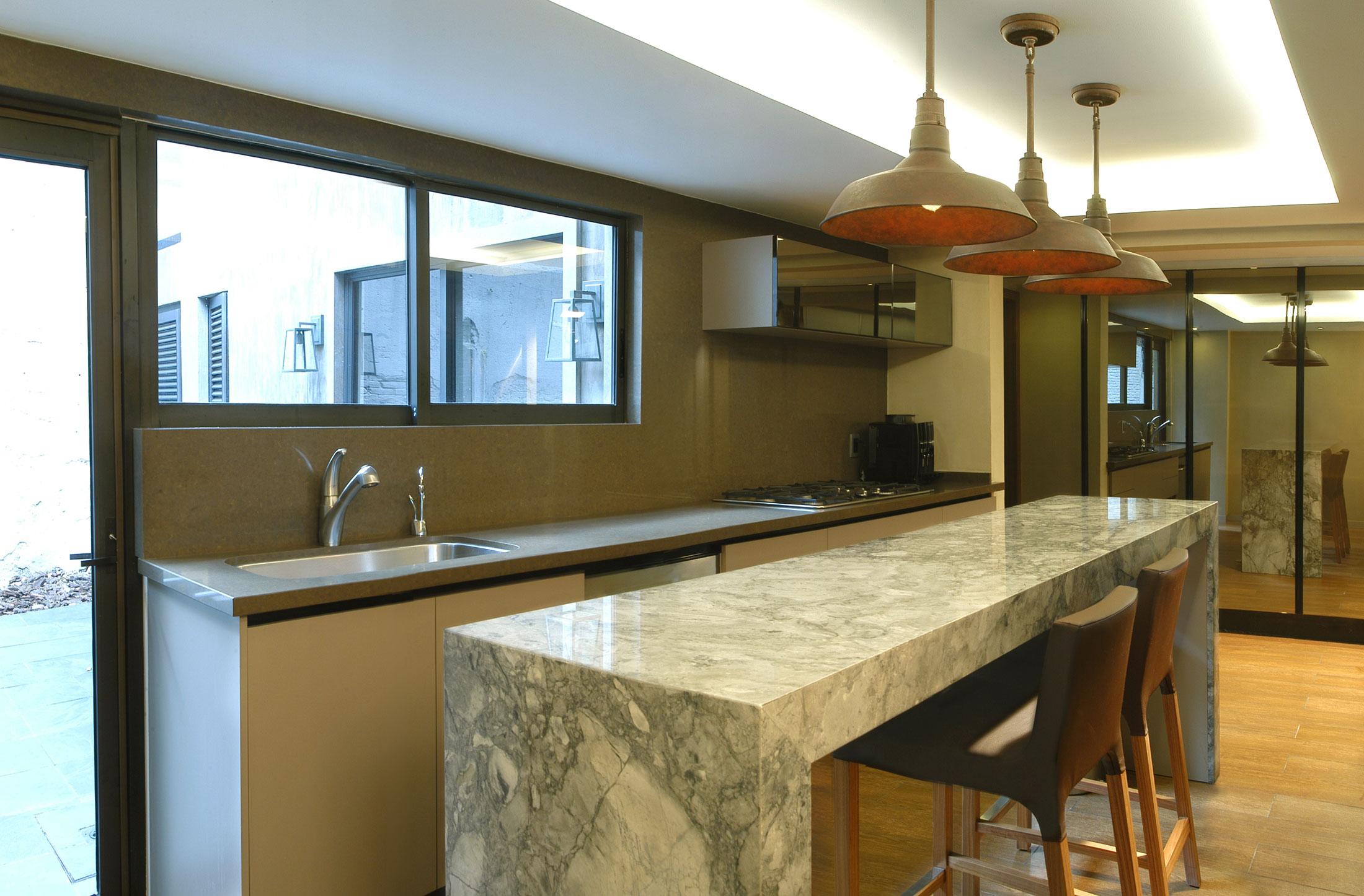 Мраморные столешницы для интерьера кухни - Фото 43