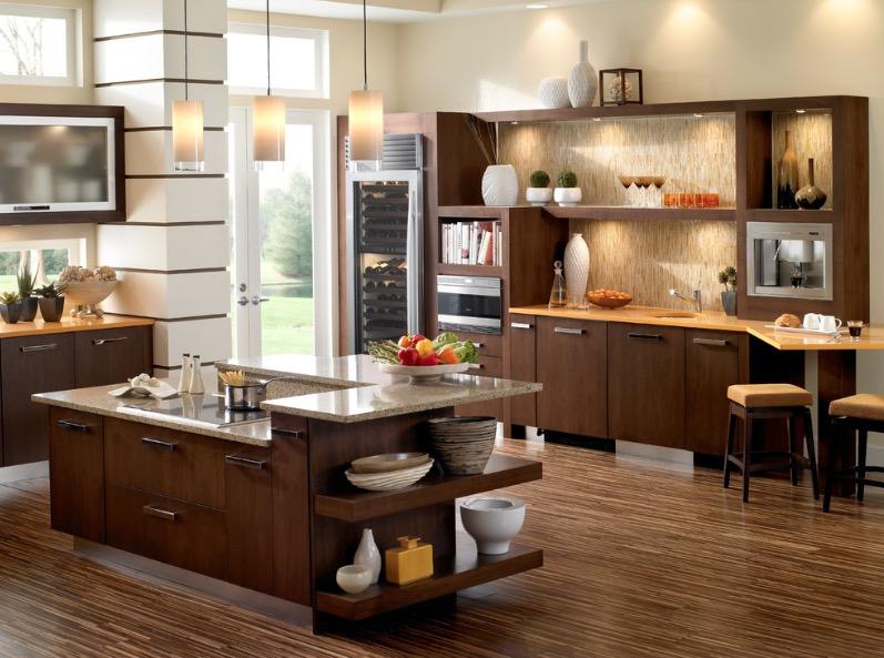 Бамбуковый пол прекрасно дополняет интерьер кухни