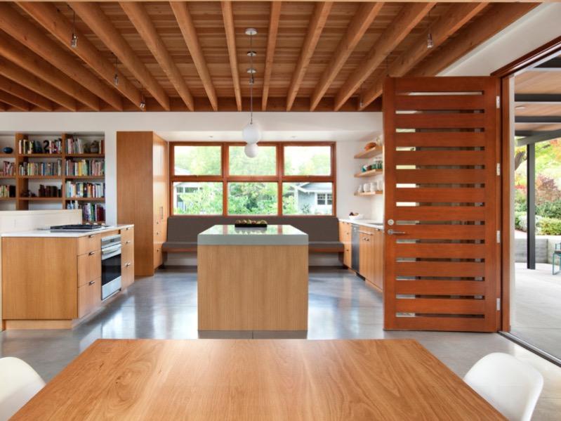 Шлифованный бетон пола кухни