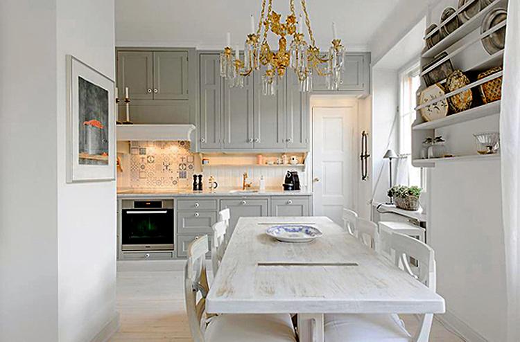 Великолепная кухня в классическом стиле