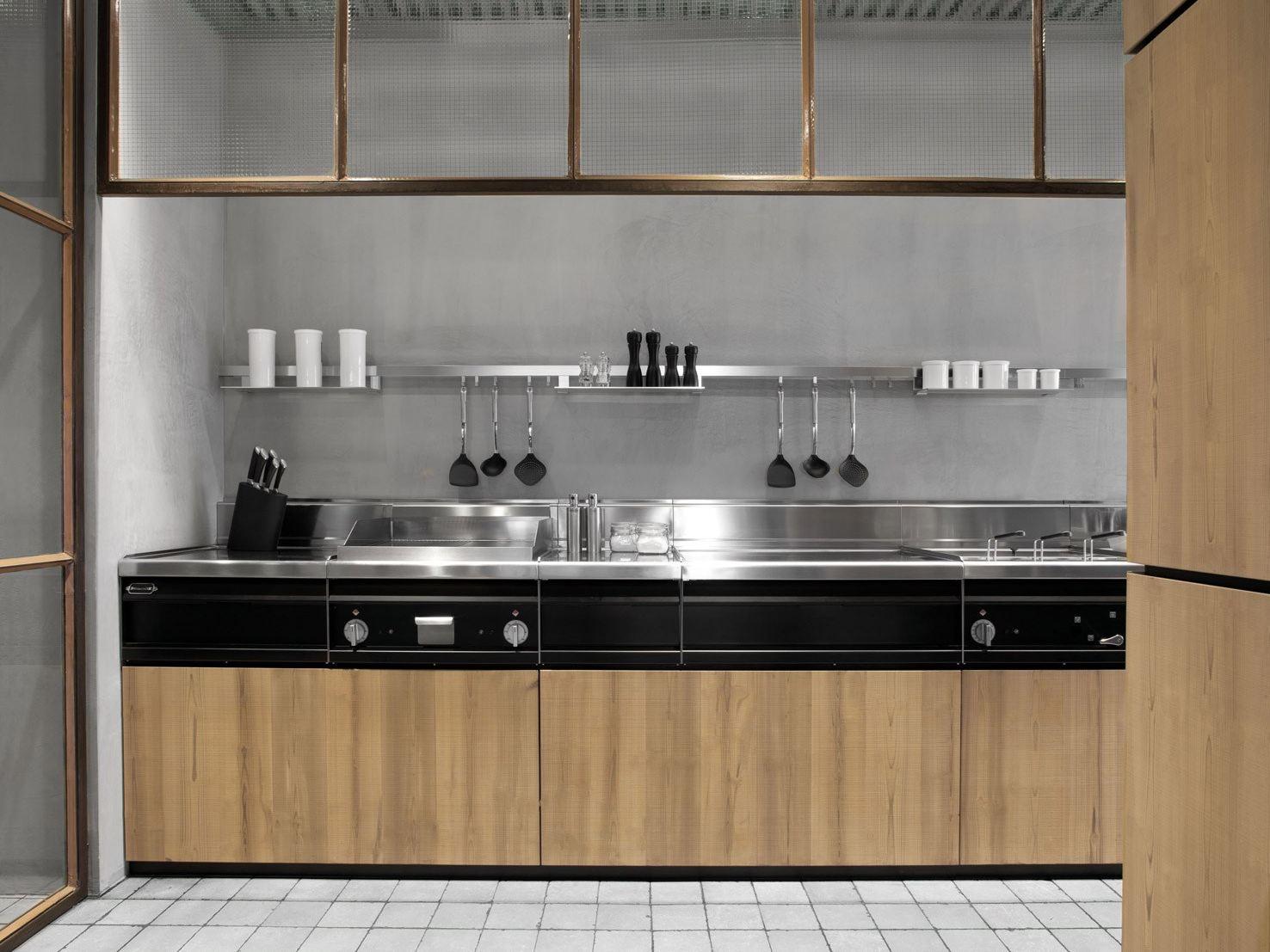 Экодизайн интерьера кухни от Minacciolo из натурального дерева