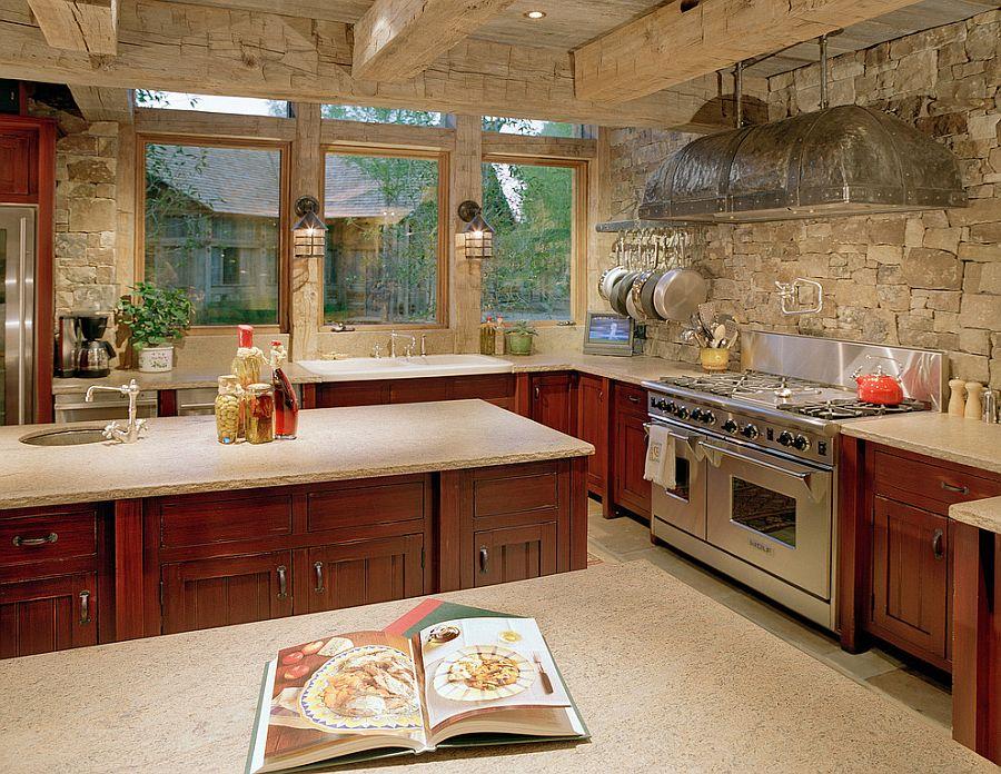Интерьер кухни в бежевом цвете