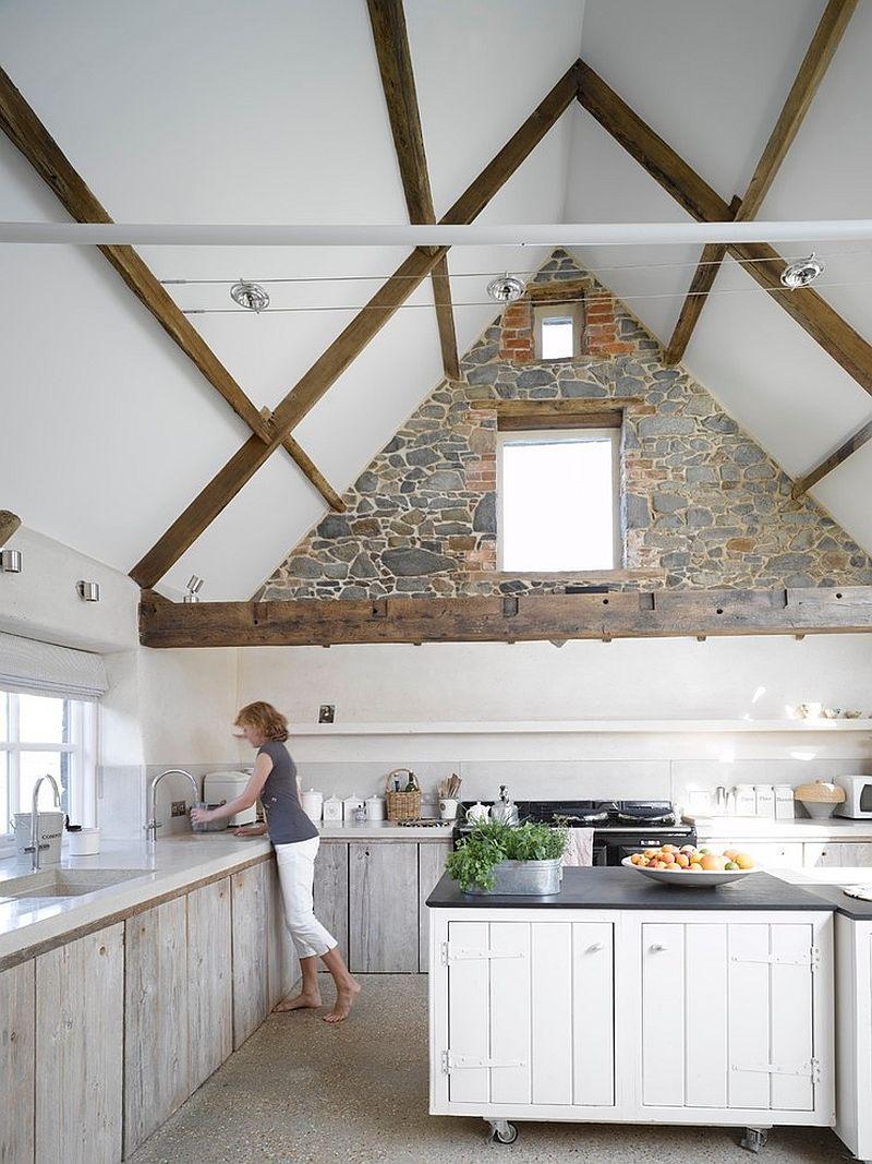Дизайн кухонного гарнитура из белого дерева