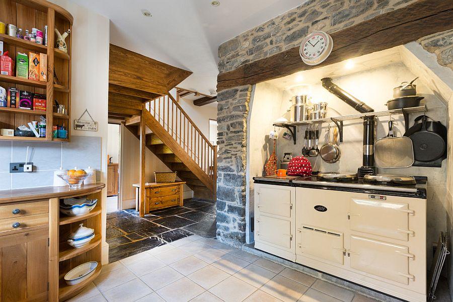 Современная печка белого цвета в интерьере кухни