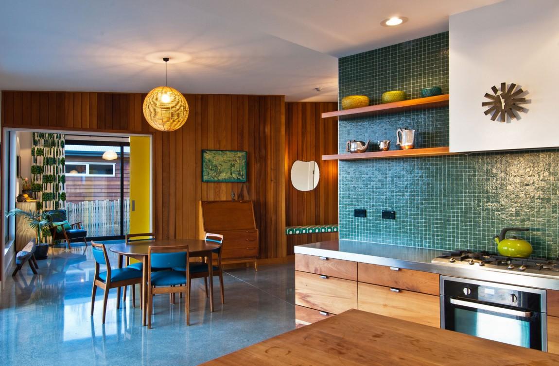 Интерьер кухни с голубыми акцентами