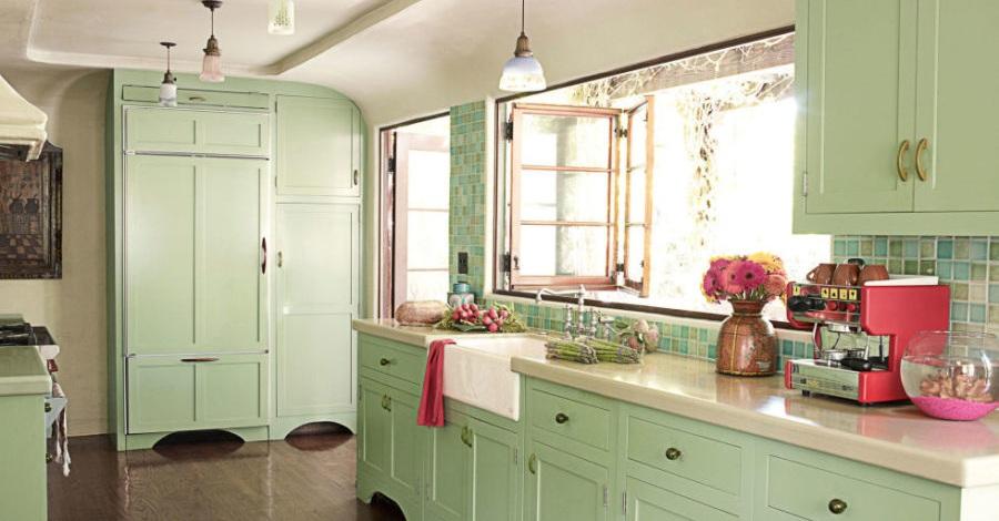 Кухонные шкафчики. Дизайн в различных цветах и стилях: мятный зелёный