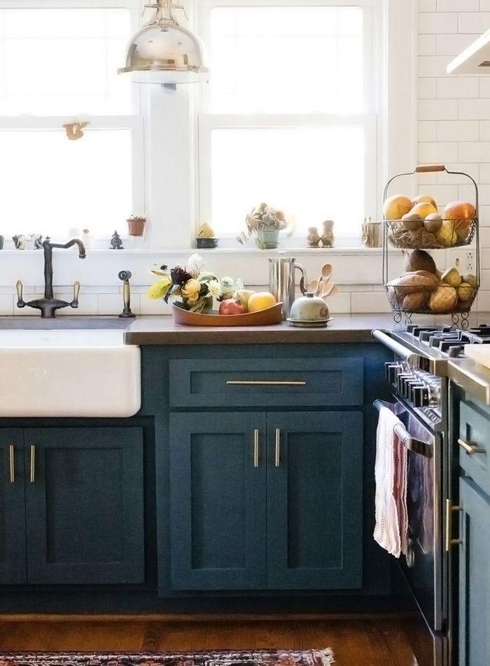 Кухонные шкафчики. Дизайн в различных цветах и стилях. Фото 3