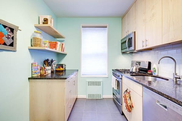 Новая кухня на основе старой в стиле Модерн выглядит свежо