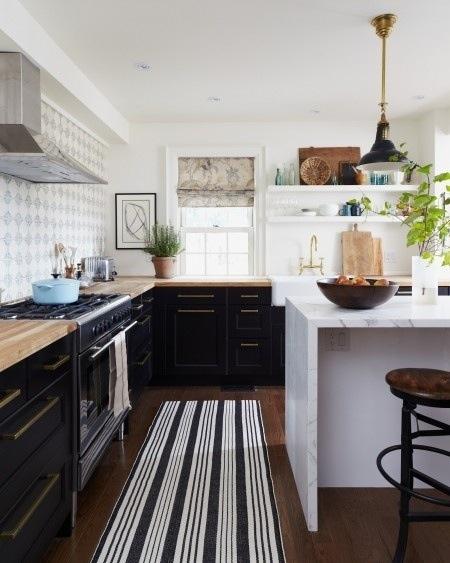 Кухни тренды: мрамор кухонного острова - особое щегольство