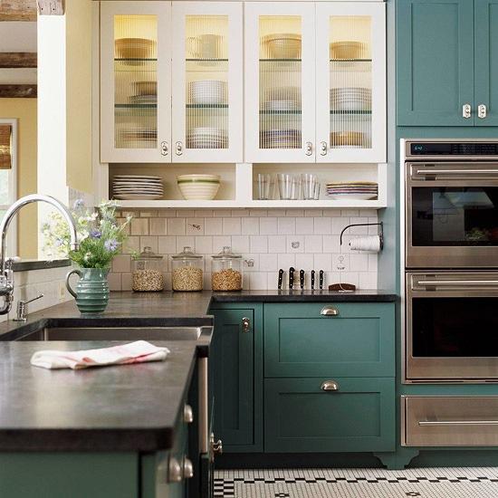 Кухни тренды: бело-зелёная вариация