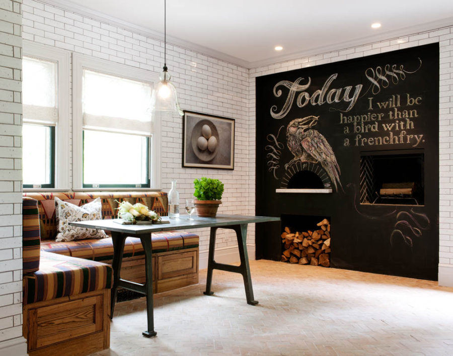 Обеденное место на кухне с эркером - угловой диван. Фото 2
