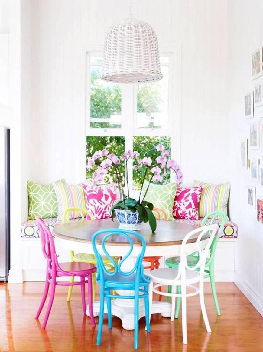 Обеденное место на кухне с эркером - угловой диван. Фото 4
